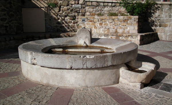 Les fontaines - Page 2 529d736e